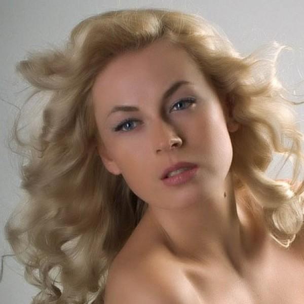 oksana-skakun-golaya